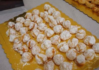 Захарно Петле-пасти и петифури  (6)
