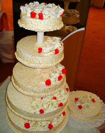 Захарно Петле-сватбени торти (14)
