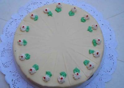 Захарно Петле-стандартни торти (24)